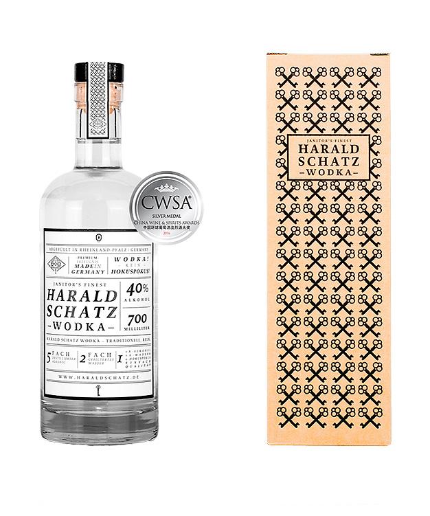 Harald Schatz Wodka mit Karton